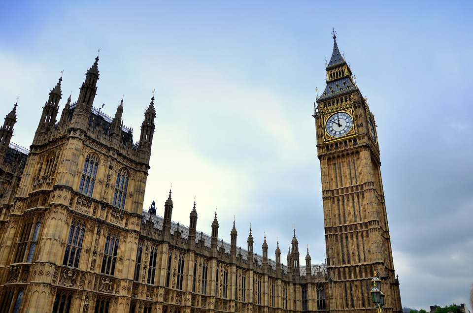 Regole per la costituzione di una societá in Inghilterra